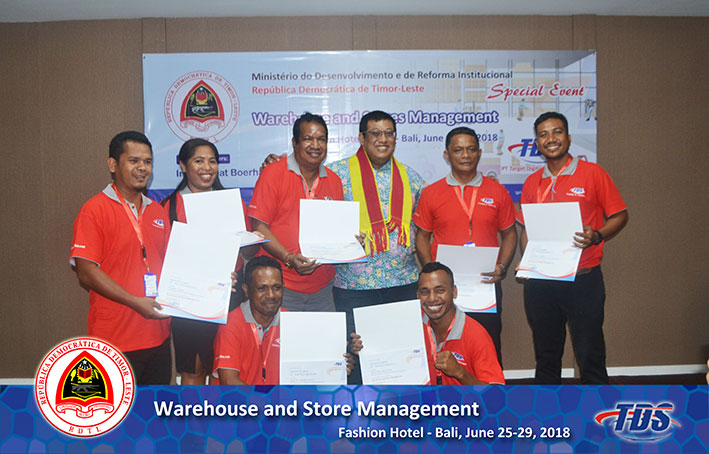 Foto training Warehouse and Stores Management