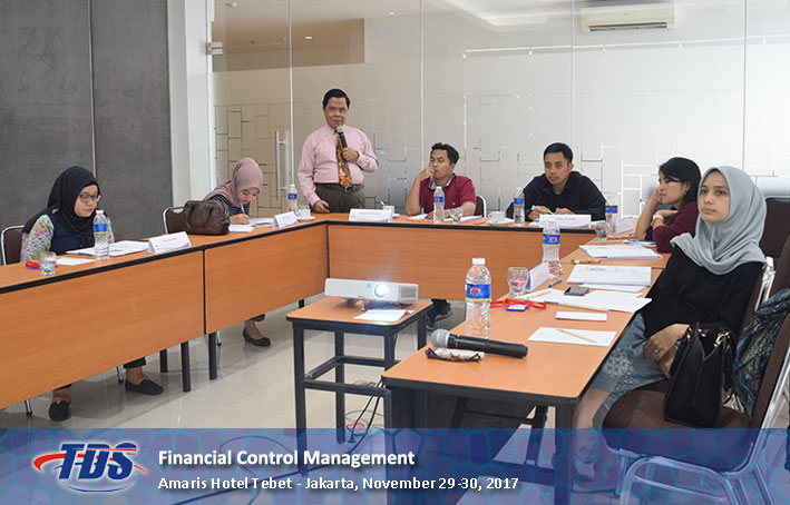 Foto Financial Control Management