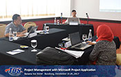 Foto Project Management with Microsoft Project Application